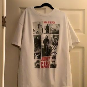 Tops - Johnny Cash tee